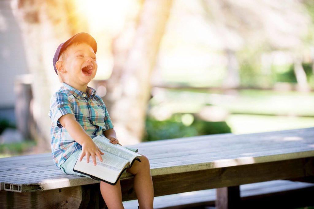 Jak budować samoocenę dziecka? – 5 wskazówek dla rodziców